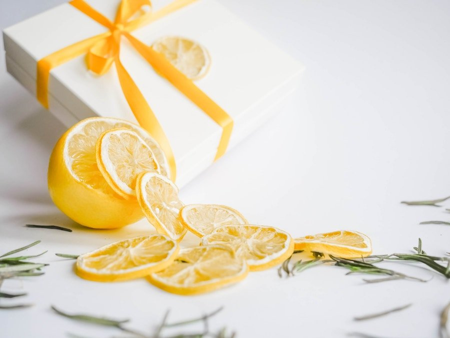 Citrus fruit scents to make your home smell like a hotel Photo by Kathetinn Aleksa on Unsplash