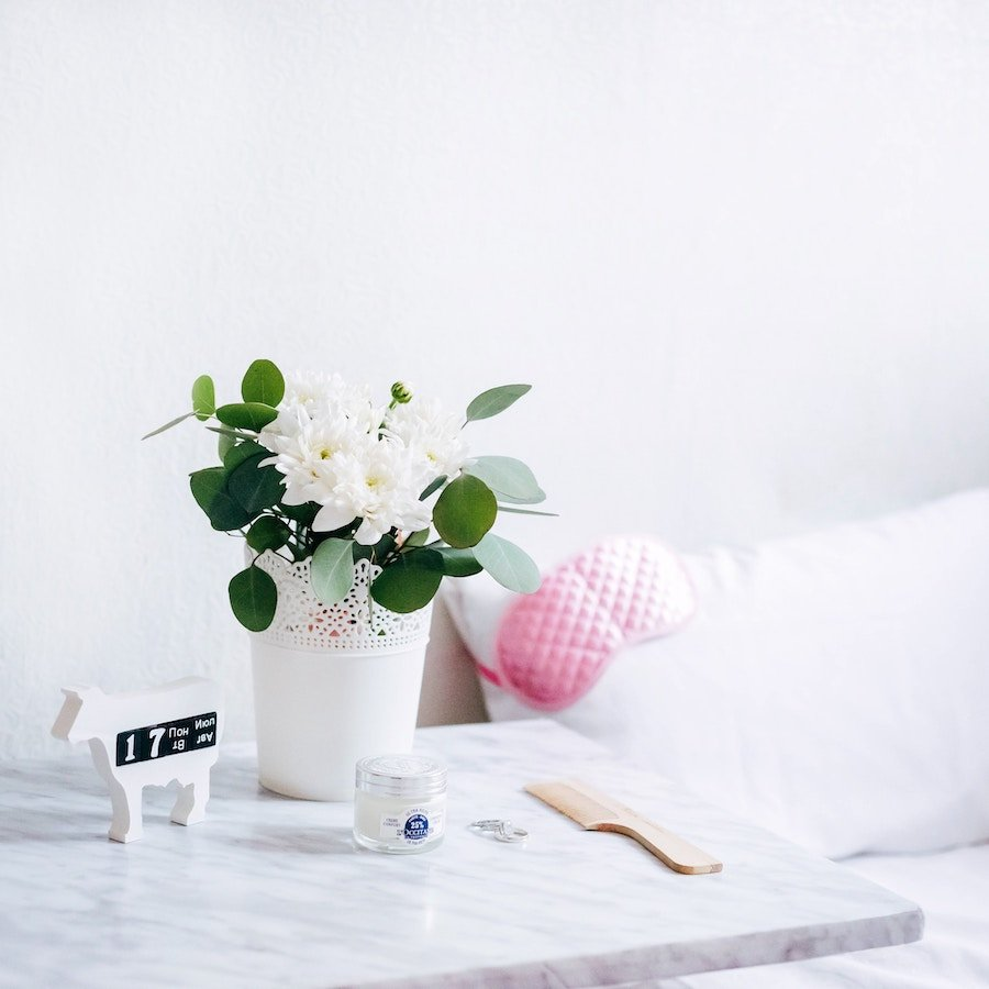 How to make your home smell like spring Photo by Alexandra Gorn on Unsplash